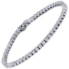 4.06 Carat Diamond Tennis Bracelet Set in 18 karat White Gold