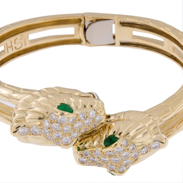 Round Cut H. Steppenjay 18 Karat Gold, Diamond and Emerald Serpent Bangle Bracelet For Sale