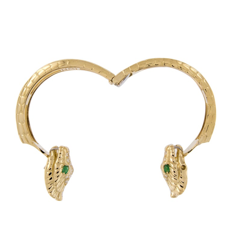 H. Steppenjay 18 Karat Gold, Diamond and Emerald Serpent Bangle Bracelet In Excellent Condition For Sale In Troy, MI