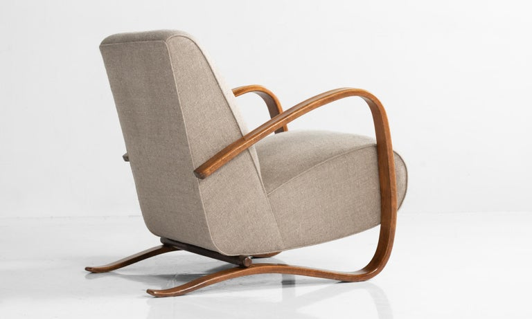H269 Armchairs by Jindrich Halabala, Czech Republic, circa 1940 In Excellent Condition For Sale In Culver City, CA