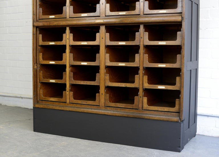 Haberdashery Cabinet by E Pollard & Co, circa 1910 In Good Condition For Sale In Gloucester, GB