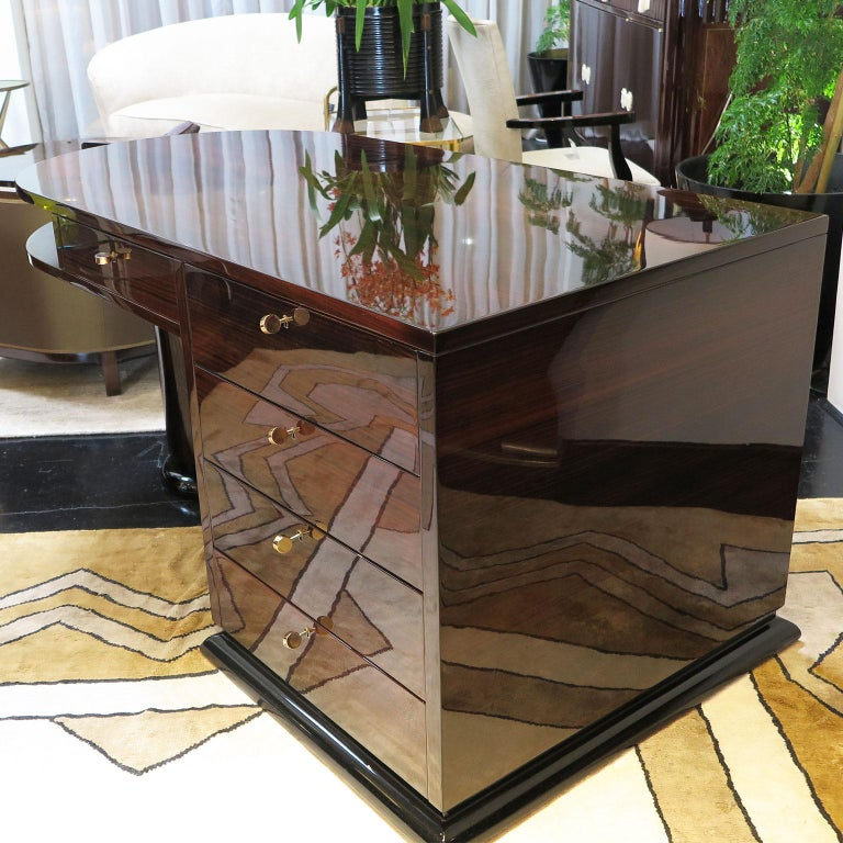 20th Century Half Rounded Art Deco Desk in Macassar For Sale