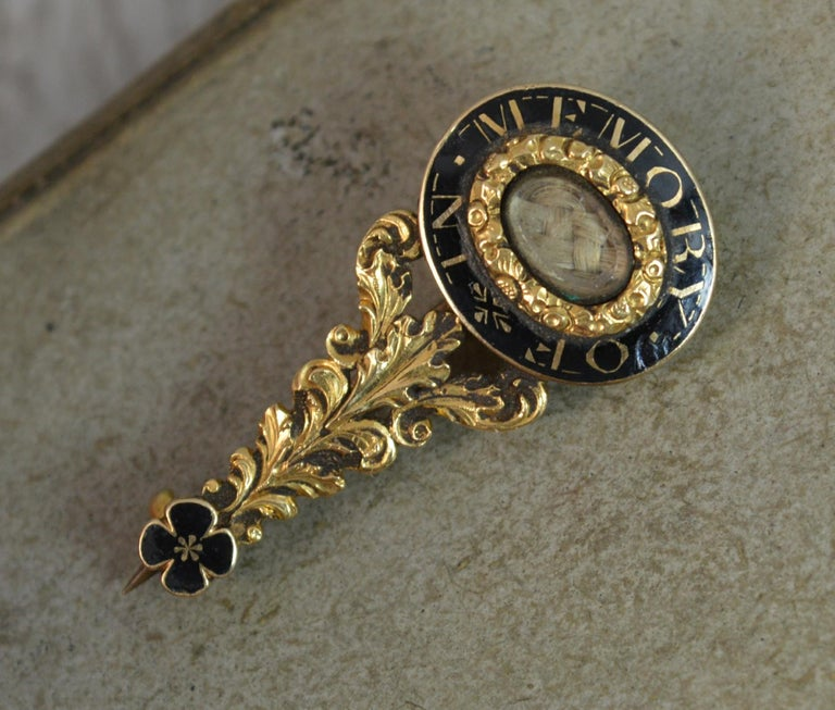 Halley's Comet Mourning in Memory of Brooch Enamel 15 Carat Gold For Sale 6