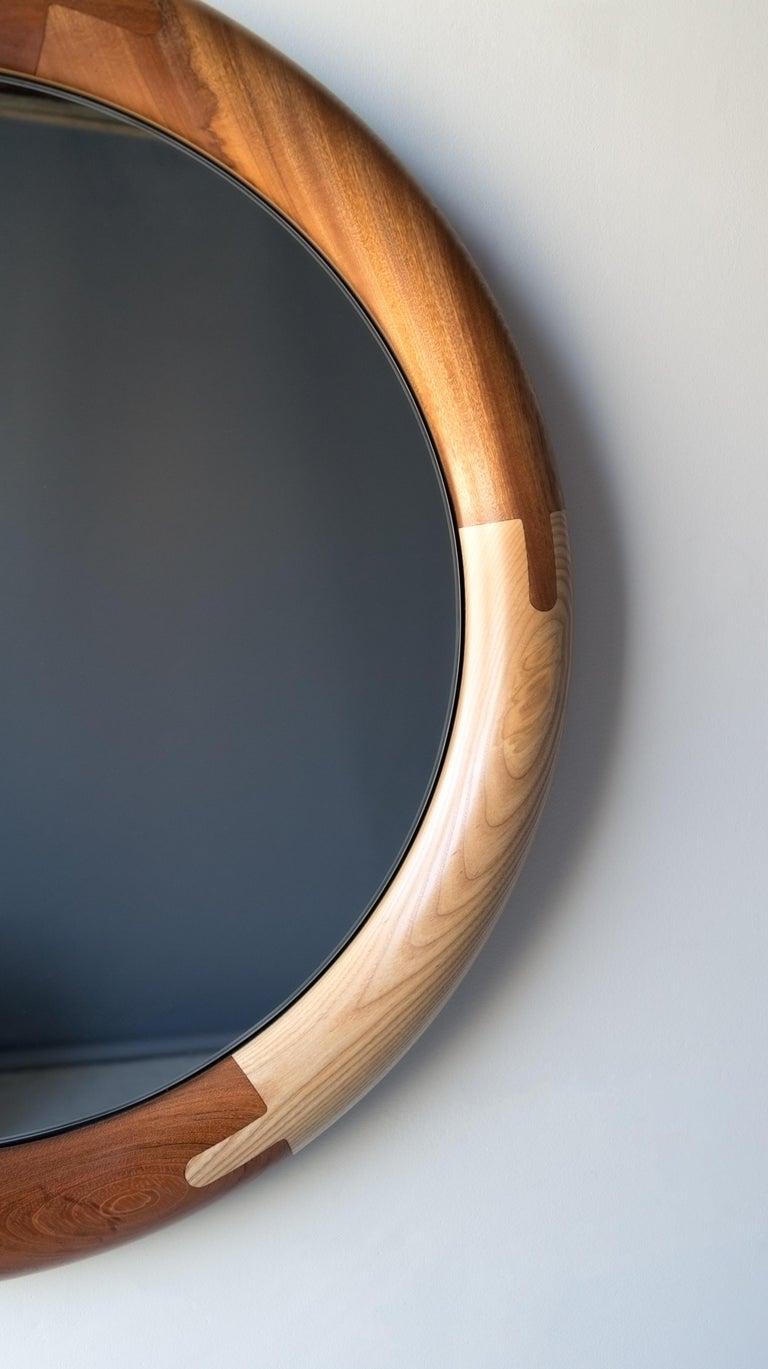 Halo Mirror Round Birnam Wood Studio In New Condition For Sale In Ridgewood, NY