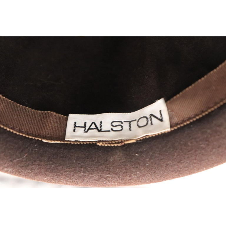 Halston Brown Felt Hat W/ Ribbon Trim Circa 1980s In Excellent Condition For Sale In Los Angeles, CA