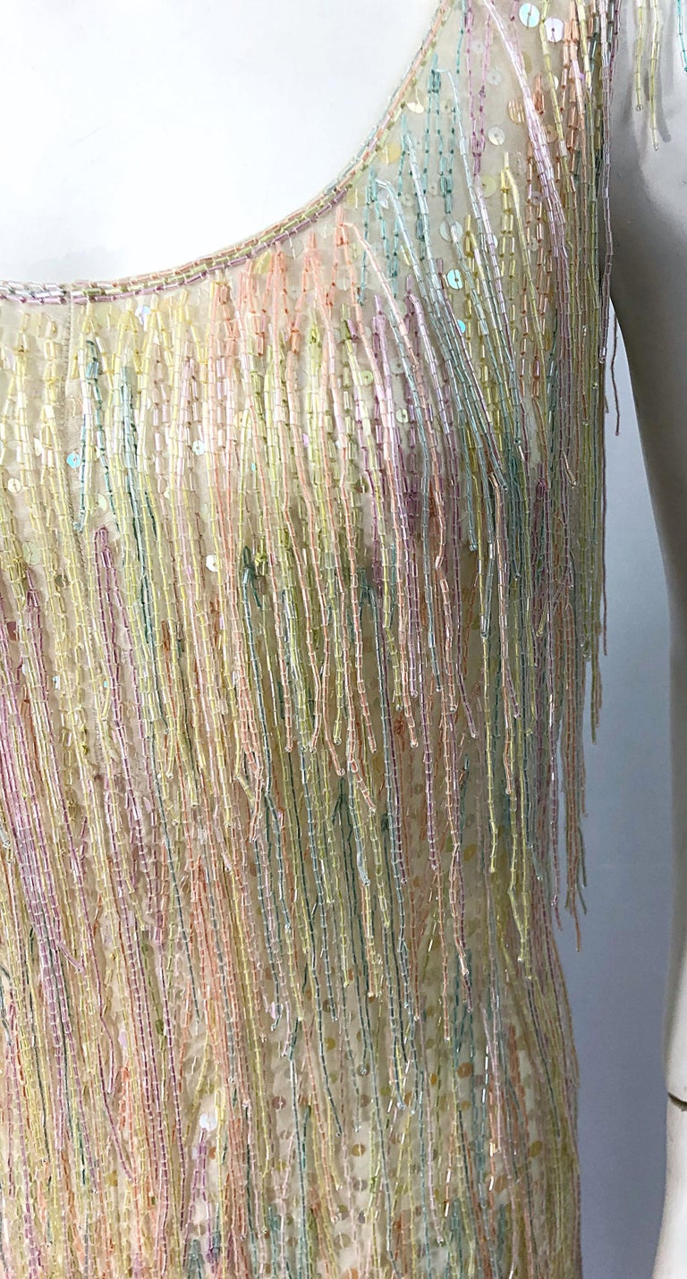 Halston MET Musuem 1970s Fully Fringed Beaded Flapper Style Vintage 70s Dress In Excellent Condition For Sale In Chicago, IL