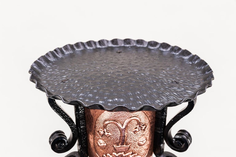 Hammered Art Deco Flower Table Stand, circa 1920s For Sale 5