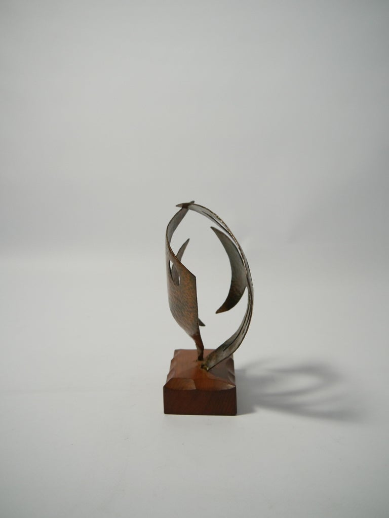 20th Century Hammered Copper Fish Sculpture on Teak Base, Sweden, 1970s For Sale