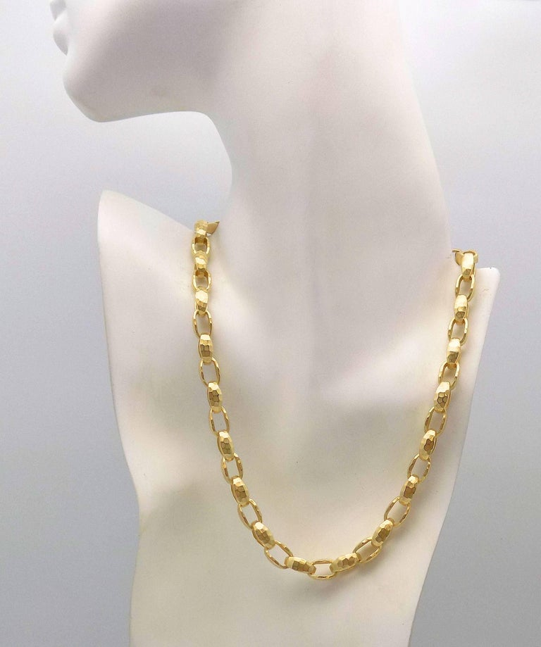 Hammered Finish Oval Rolo Link Necklace For Sale 2