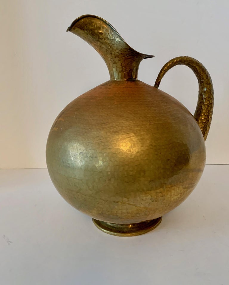 Hammered Italian brass urn pitcher signed Egidio Casagrande - Pitcher perfect, Architecturally stunning as a stand alone art piece, or an elegant addition to any setting, from picnics, dinner parties to watering plants! A special and important piece.