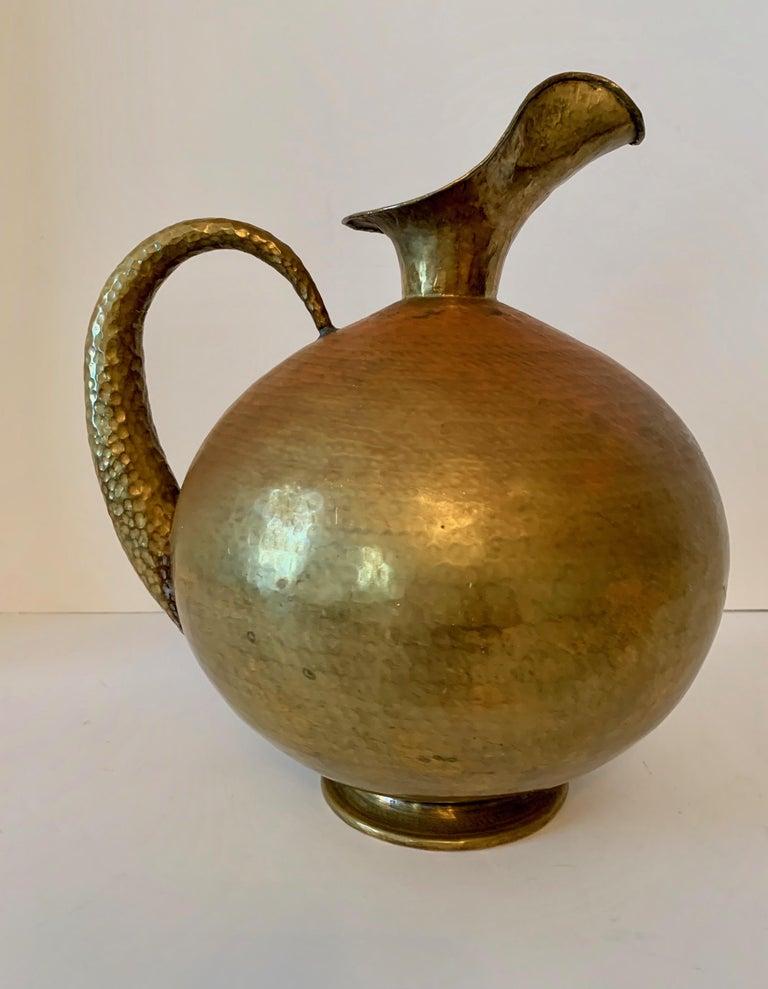 20th Century Hammered Italian Brass Urn Pitcher Signed Egidio Casagrande For Sale