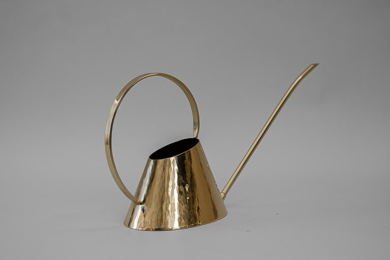 Hammered Watering Can, circa 1950s In Good Condition For Sale In Wien, AT