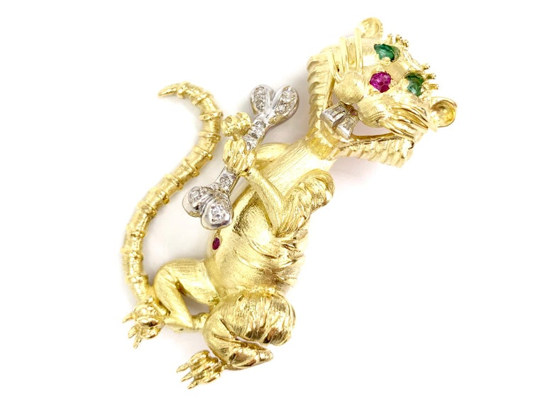 Hammerman Brothers 18 Karat Diamond, Emerald and Ruby Wild Cat Brooch In Good Condition For Sale In Pikesville, MD