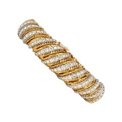 Hammerman Brothers 1950s Gold and Diamond Ribbed Link Bracelet