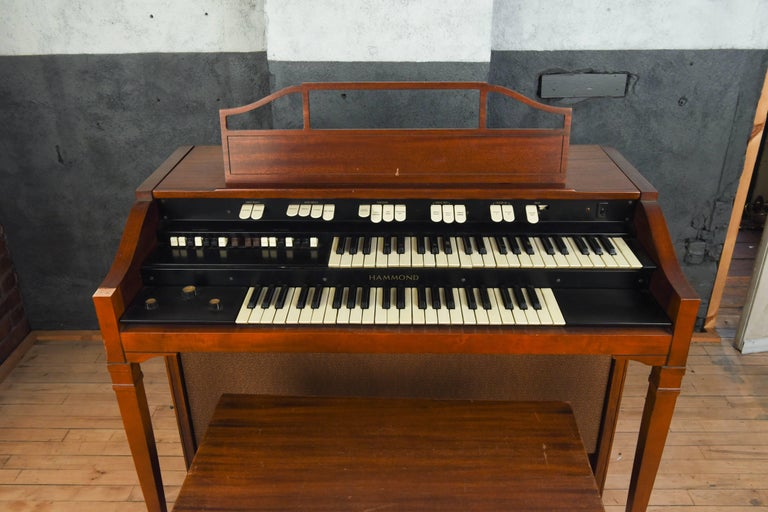 Organ For Sale >> Hammond Model L 111a Tube Organ With Bench