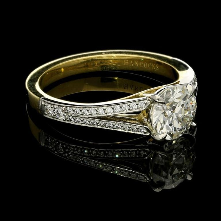 Contemporary Hancocks 1.05 Carat Old European Brilliant Cut Diamond Ring with Split Shoulders For Sale