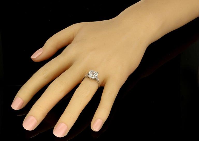 Hancocks 4.58 Carat G VS Asscher Cut Diamond & Honeycomb Diamond-Set in Platinum For Sale 1