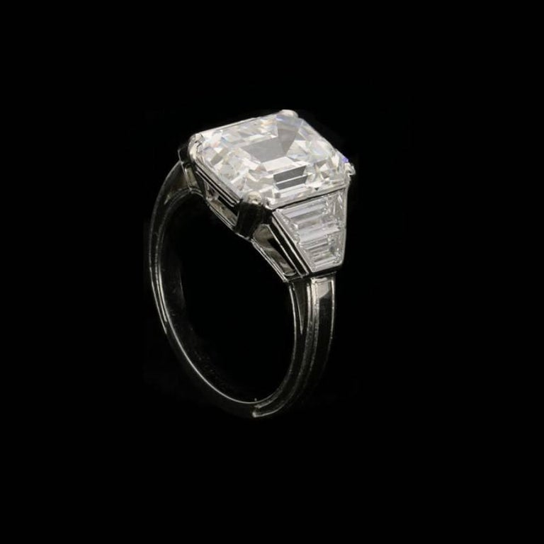 Hancocks 5.01 Carat Vintage Emerald-Cut Diamond Platinum Ring In New Condition For Sale In London, GB