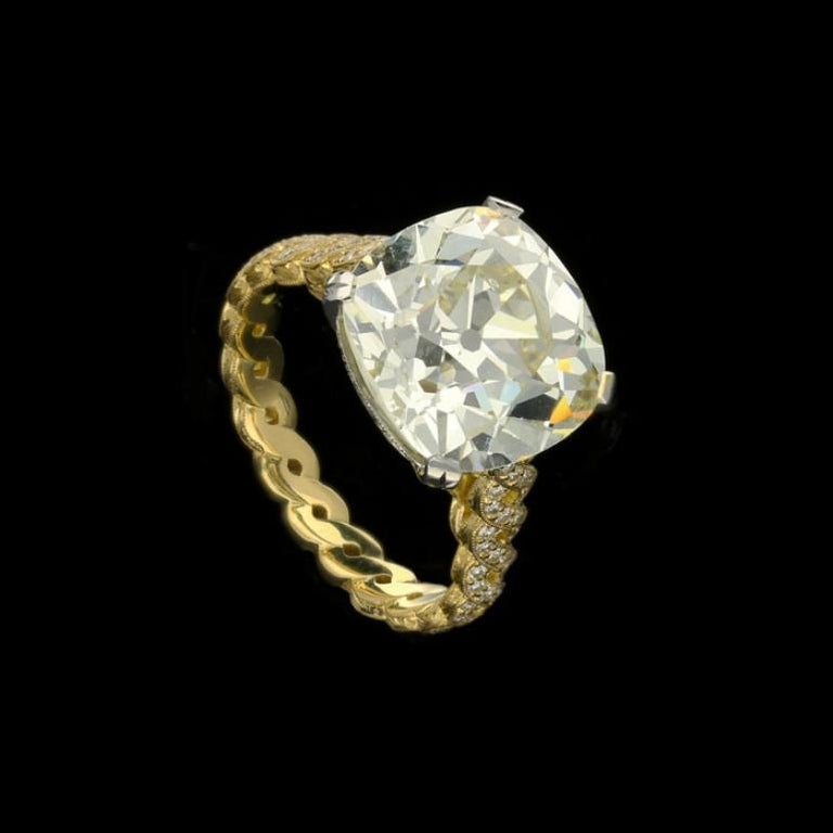 Hancocks 7.90 Carat Old Mine Brilliant Cut with Twisted Double Row Diamond Ring In New Condition For Sale In London, GB