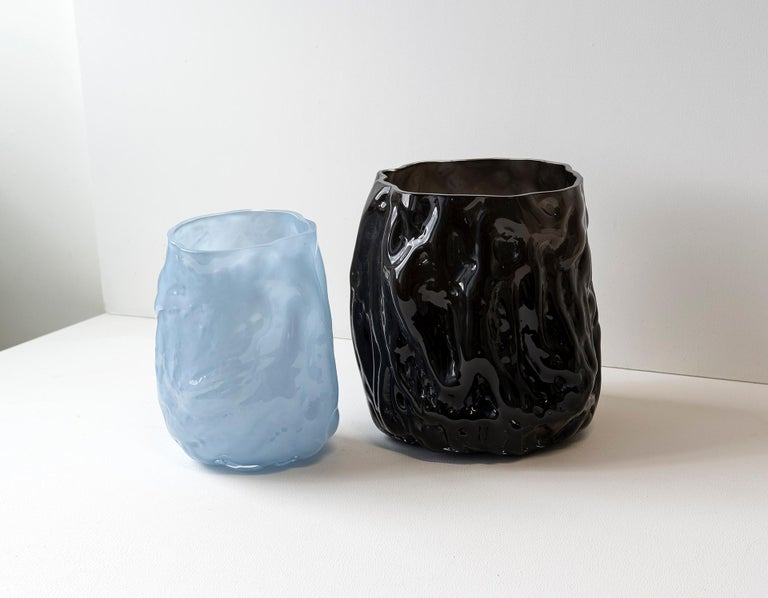 Hand Blown Contemporary Wrinkle Black Glass Vase by Erik Olovsson For Sale 4