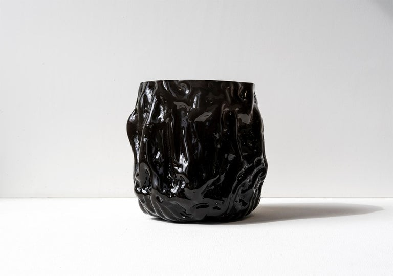 Hand Blown Contemporary Wrinkle Black Glass Vase by Erik Olovsson For Sale 2