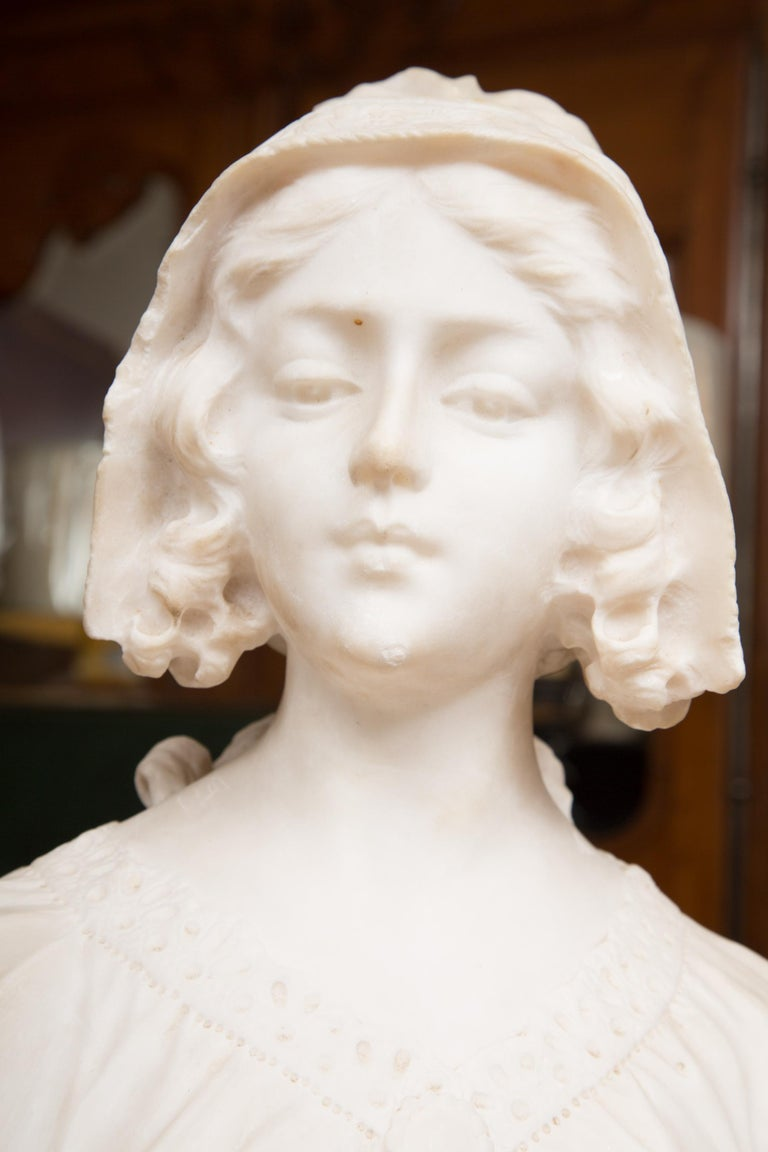 Hand Carved 19th Century French Carrara Marble Bust of a Young Lady In Good Condition For Sale In WEST PALM BEACH, FL