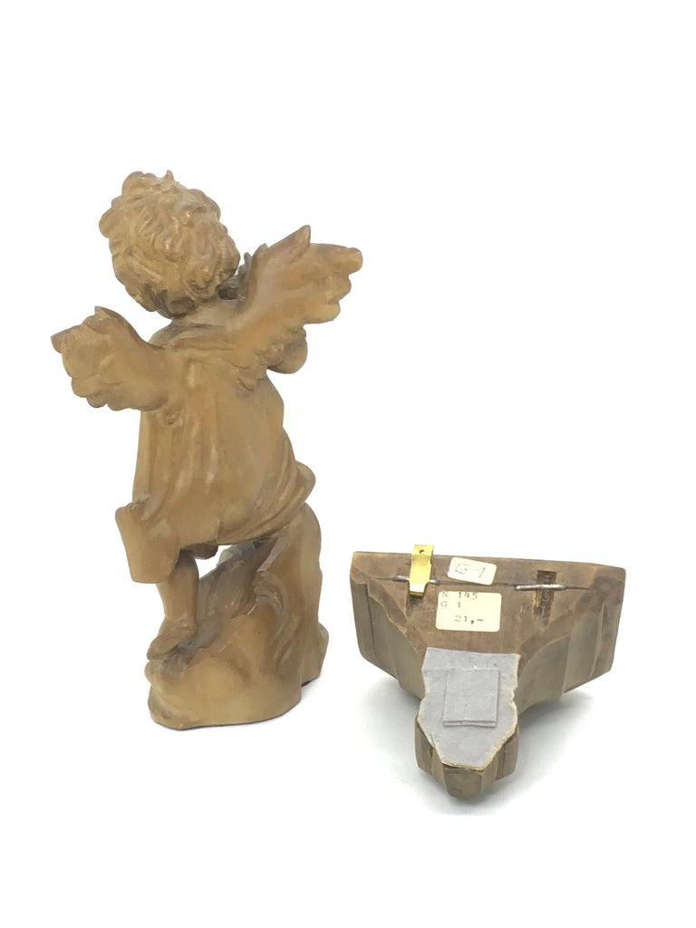 Hand Carved 20th Century Wooden Cherub Angel Playing Flute and Wall Console In Good Condition For Sale In Nürnberg, DE