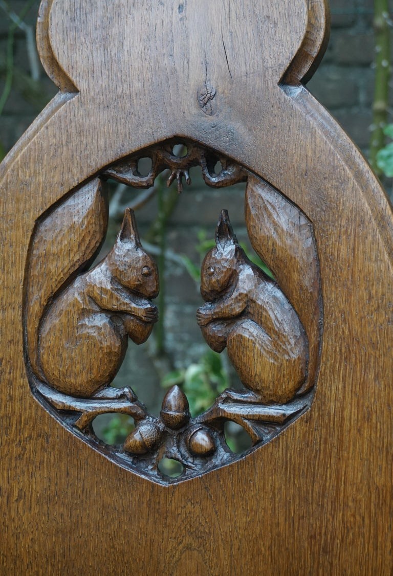 Hand Carved Arts & Crafts Baby or Doll Bed / Crib with Squirrel Rabbit & Sparrow In Good Condition For Sale In Lisse, NL
