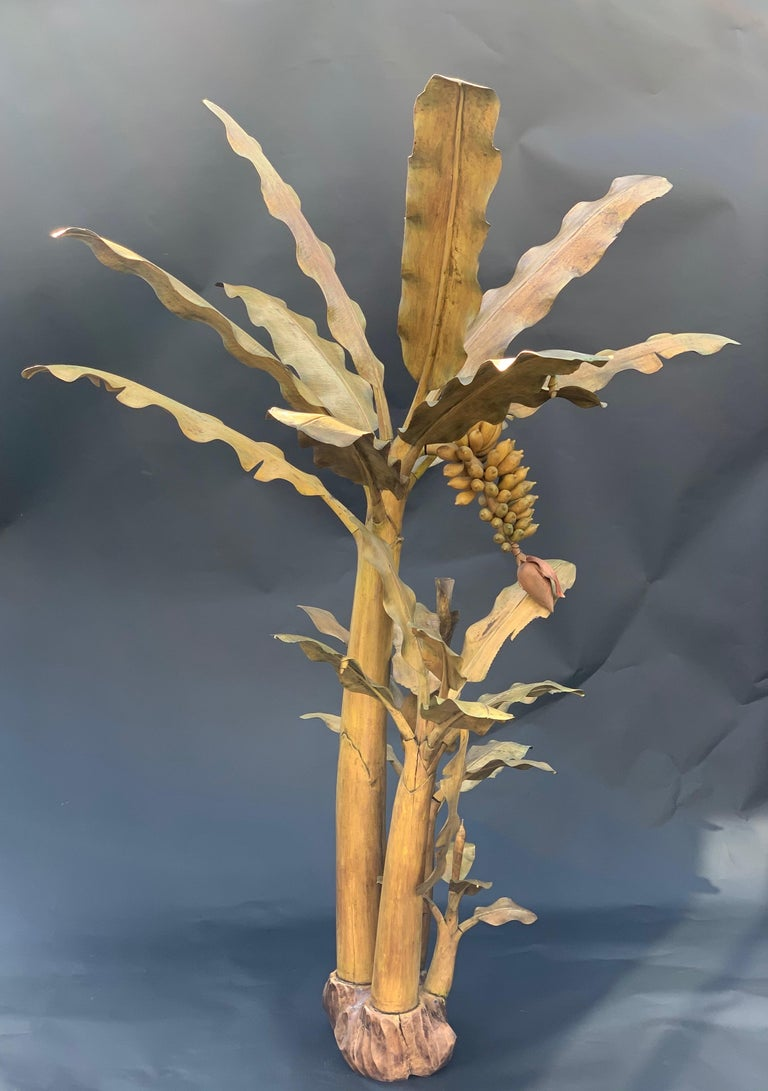 Hand Carved Banana Tree In Good Condition For Sale In Los Angeles, CA