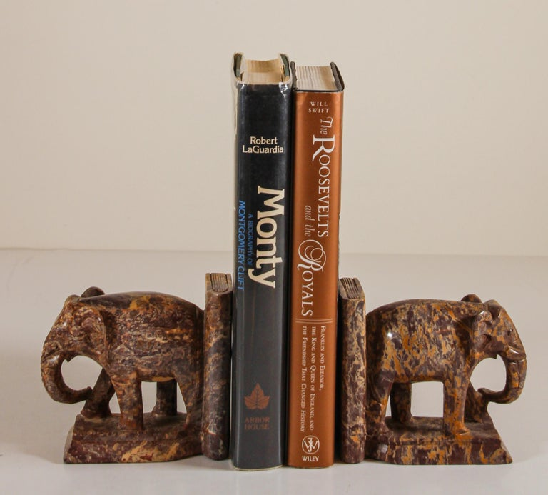 Hand-Carved Elephant Marble Sculpture Bookends, Art Deco Style, 1950s For Sale 14