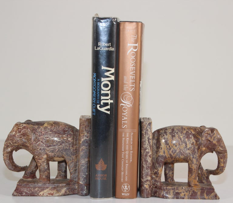 Hand-Carved Elephant Marble Sculpture Bookends, Art Deco Style, 1950s In Good Condition For Sale In North Hollywood, CA