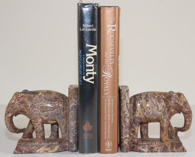 20th Century Hand-Carved Elephant Marble Sculpture Bookends, Art Deco Style, 1950s For Sale