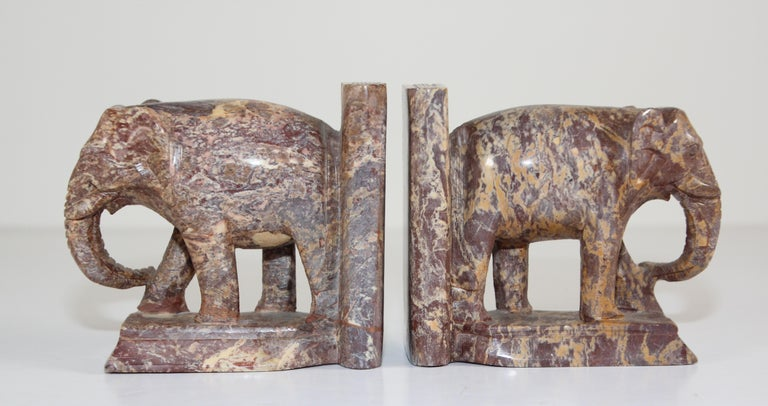 Hand-Carved Elephant Marble Sculpture Bookends, Art Deco Style, 1950s For Sale 1