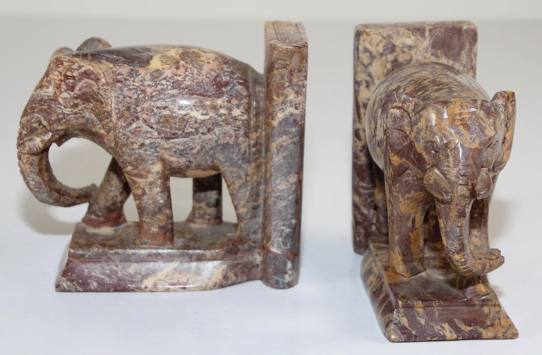 Hand-Carved Elephant Marble Sculpture Bookends, Art Deco Style, 1950s For Sale 4