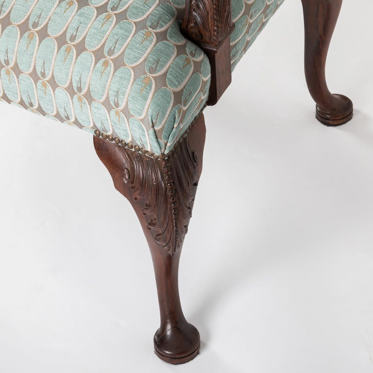 Hand Carved English Georgian Style Armchair in Kravet Fabric, Late 19th Century For Sale 6
