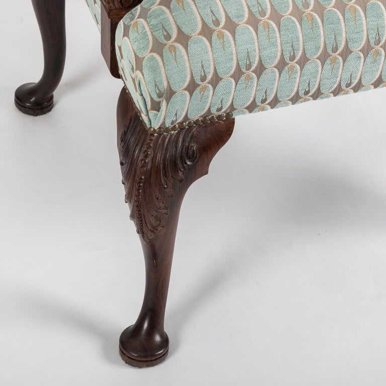 Hand Carved English Georgian Style Armchair in Kravet Fabric, Late 19th Century For Sale 1