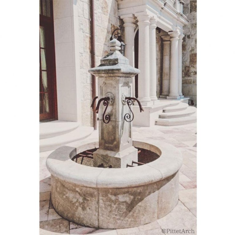 Hand Carved Limestone Central Fountain In Good Condition For Sale In Dallas, TX