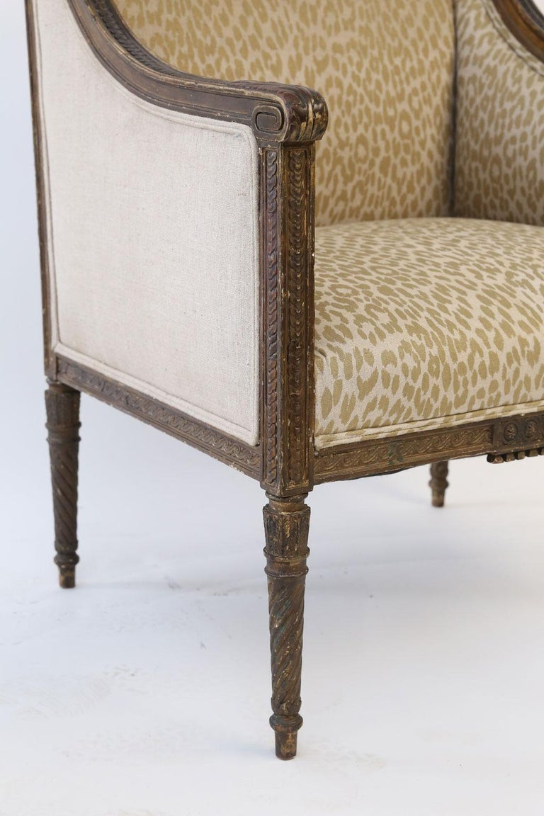 Hand Carved Louis XVI Bergere In Good Condition For Sale In Houston, TX