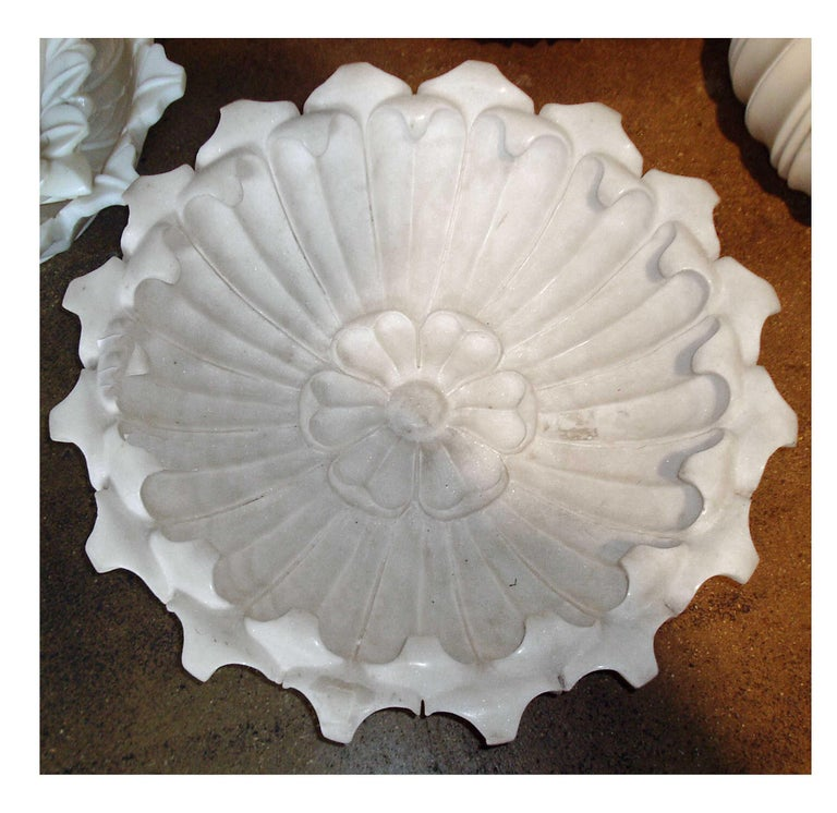 Hand Carved Marble Flower Bowl, Mid-20th Century For Sale 1