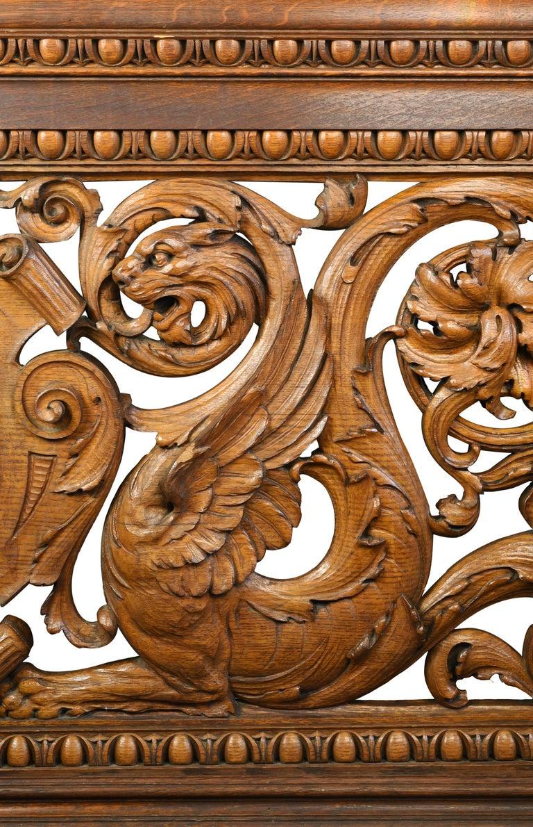 Hand-Carved Quarter Sawn Oak Banister, circa 1891 For Sale 3