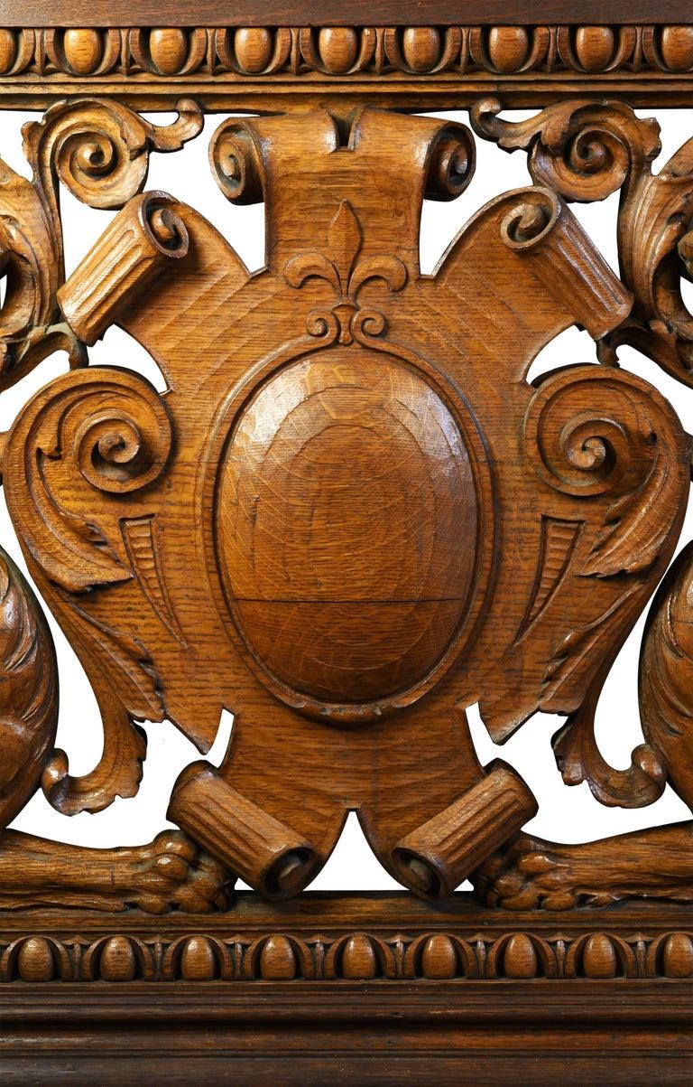 Hand-Carved Quarter Sawn Oak Banister, circa 1891 For Sale 4