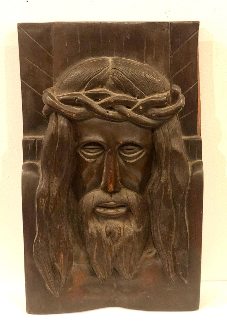 Hand carved solid wood Jesus Christ face wall plaque sculpture, circa 1970s not signed beautiful piece wall relief, sculpture hand carved great detail. Original finish natural patina we only oiled the item.