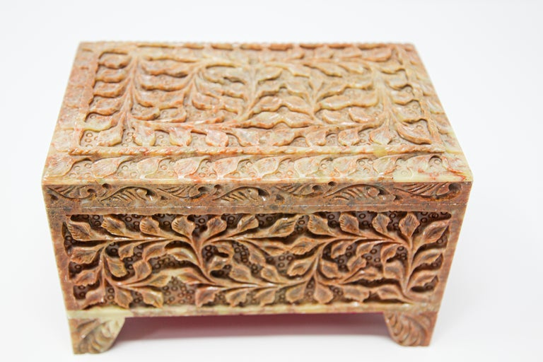 Hand-Carved Stone Jewelry Box Rajasthan, India For Sale 3