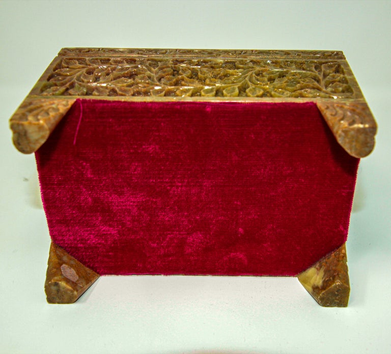 Hand-Carved Stone Jewelry Box Rajasthan, India For Sale 7