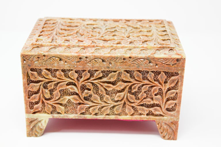 Indian Hand-Carved Stone Jewelry Box Rajasthan, India For Sale