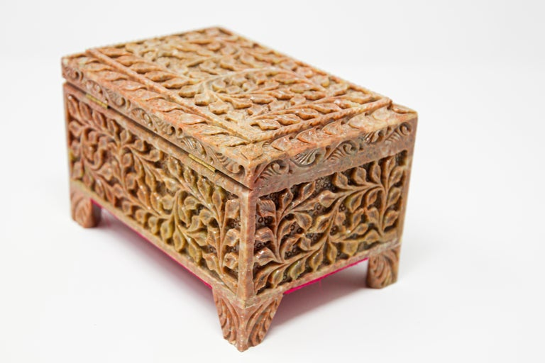 Soapstone Hand-Carved Stone Jewelry Box Rajasthan, India For Sale