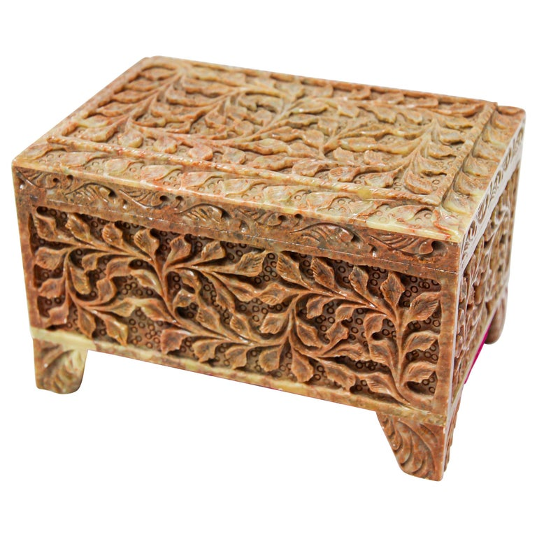 Hand-Carved Stone Jewelry Box Rajasthan, India For Sale