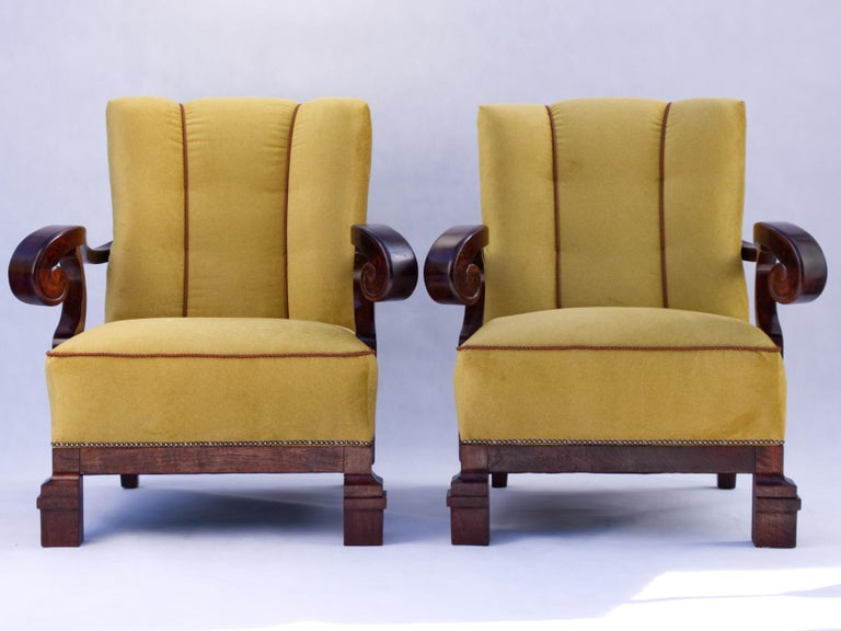Hand-Carved Hand Carved Walnut Art Nouveau Armchairs, circa 1920 For Sale