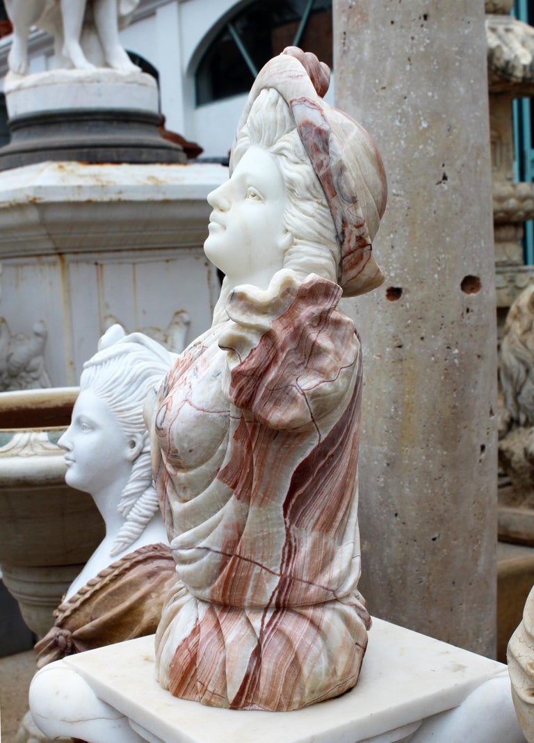 Hand Carved White Carrara Marble and Onyx Bust of a Romanticist Woman In Good Condition For Sale In Malaga, ES