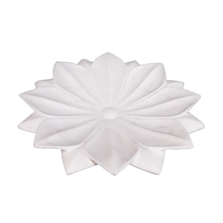 Hand Carved White Marble Lotus Plate In Good Condition For Sale In New York, NY